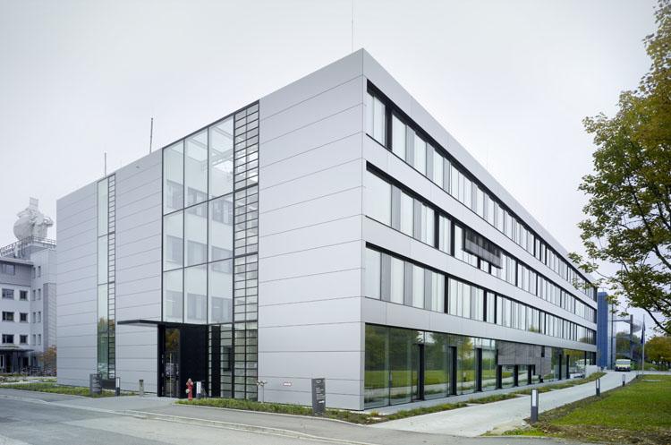 Dlr instituts und laborgeb ude m nchen oberpfaffenhofen pier 7 architekten - Bgf architekten ...
